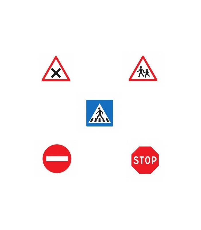 5 panneaux de signalisation routière